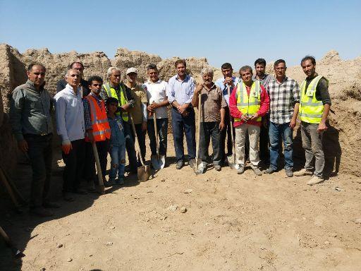 مشارکت تشکل های مردم نهاد در مرمت کهنه قلعه مشگین شهر