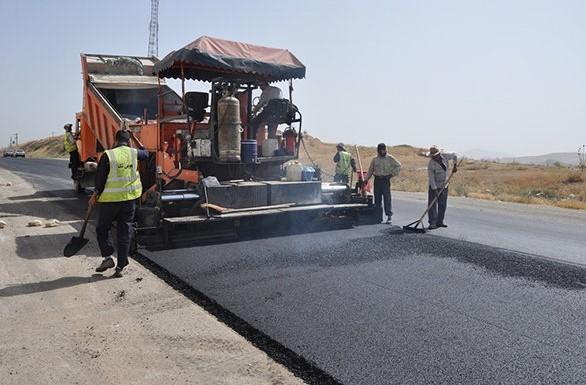اجرای عملیات آسفالت جاده قلا در شهرستان چوار
