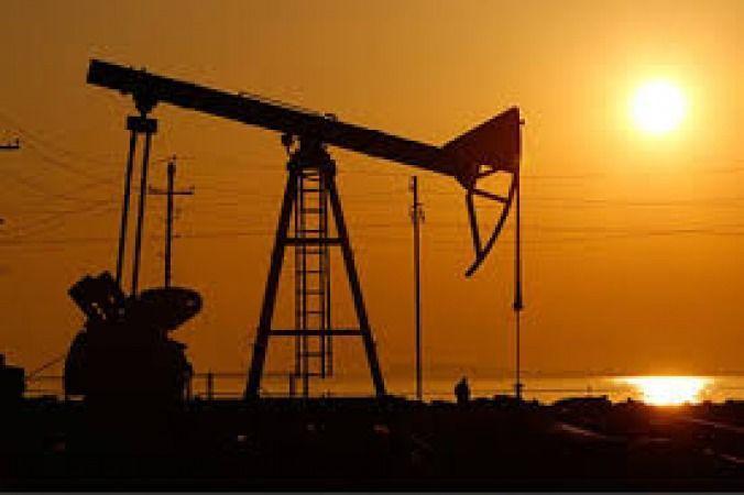 کاهش بیش از سه برابر پیش بینی ها ذخایر نفت خام آمریکا