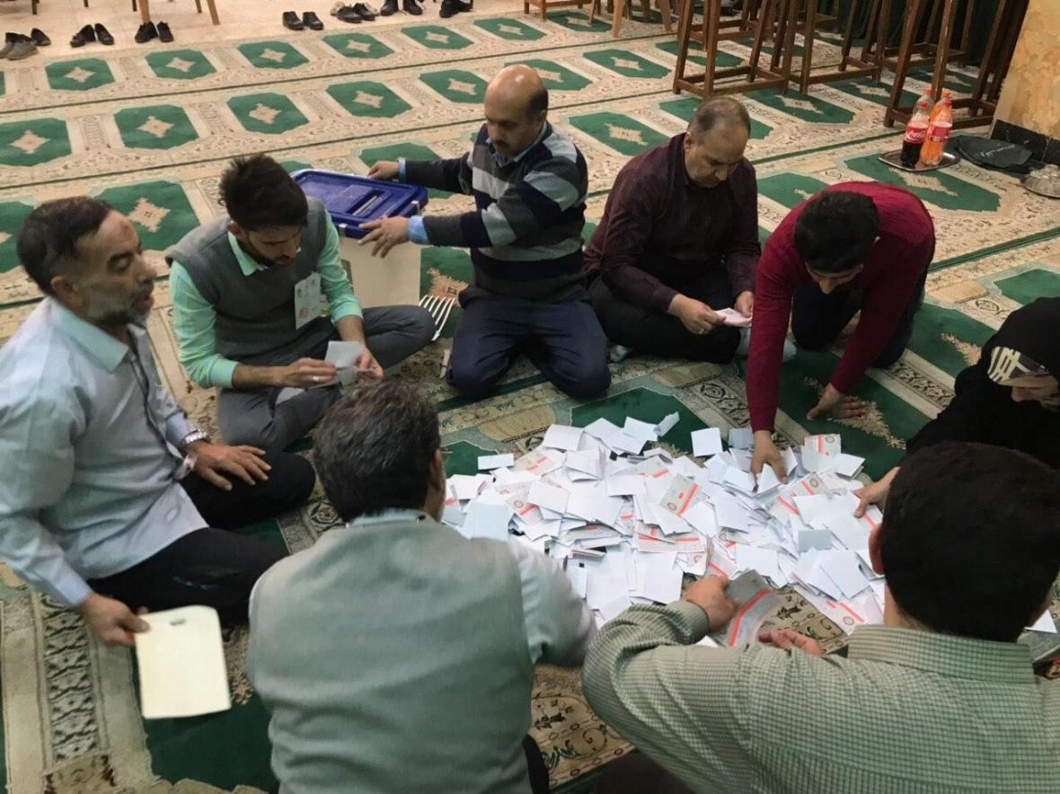 خبرنگاران آغاز شمارش آرای انتخابات مجلس یازدهم در خوزستان