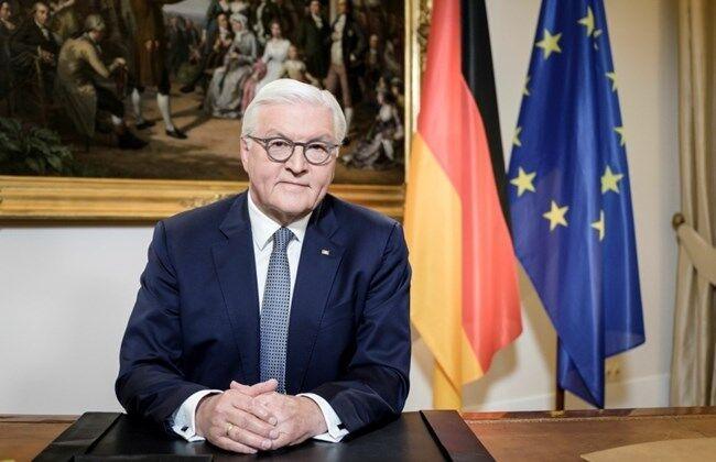 خبرنگاران رییس جمهور آلمان مقایسه کرونا با جنگ را رد کرد