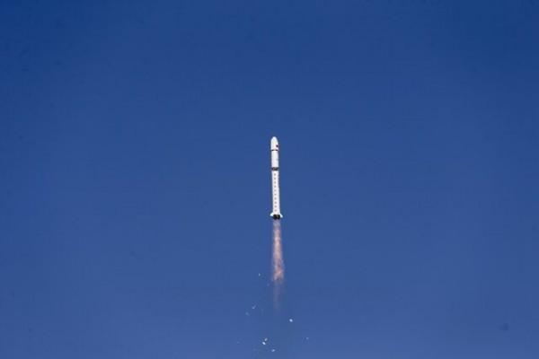 پرتاب موفقیت آمیز یک ماهواره به فضا توسط چینی ها
