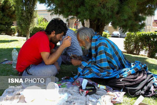 چرایی جمع شدن معتادان در میدان مشتاق کرمان؟
