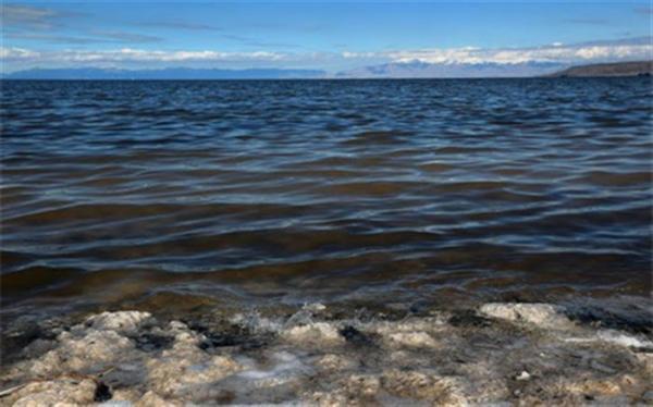 ضرورت بهره گیری از تجارب و امکانات برای اتمام طرح انتقال آب به دریاچه ارومیه