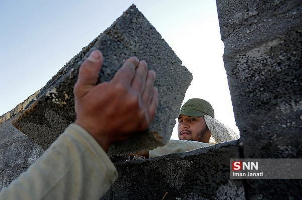 جهادگران سمنانی به بازسازی خانه یکی از نیازمندان می پردازند