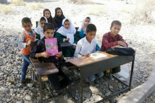 درباره اهدای 80 تبلت به دانش آموزان روستای بزنج