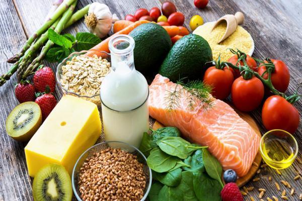 مصرف 10 واحد سبزیجات و میوه در روز برای بیماران کرونایی ، 10 لیوان آب هم بنوشید