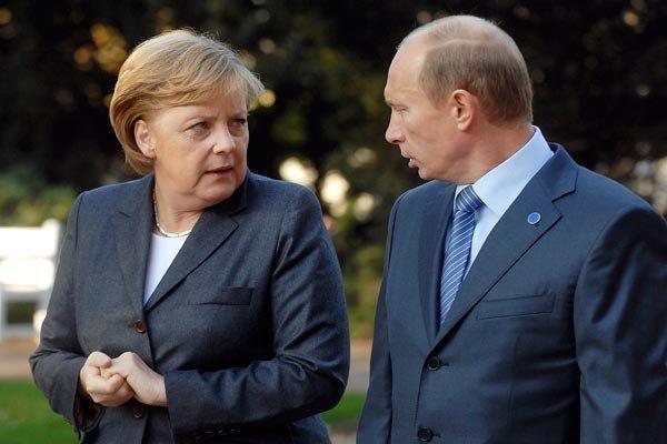 آنگلا مرکل: حضور نظامی روسیه در مرز اوکراین هشدارآمیز است