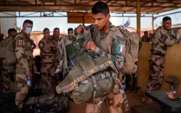 افغانستانِ فرانسه؛ عقب نشینی مکرون از اقتصادی و تشدید حملات افراطگران